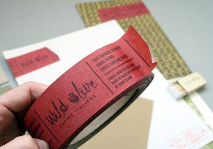 tarjeta de presentación en masking tape