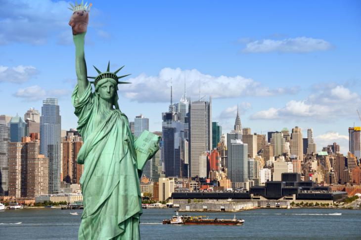 estatua de la libertad erizo en mano