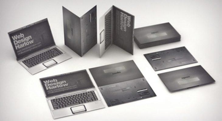 tarjeta de presentación en forma de computadora