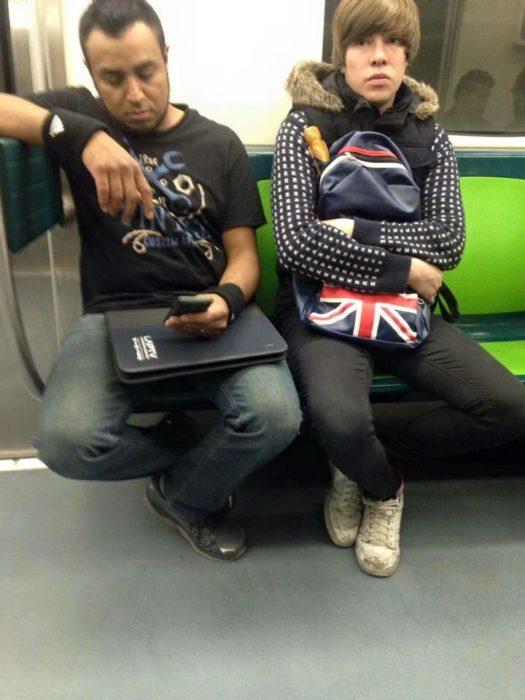 doble de justin bieber en el metro