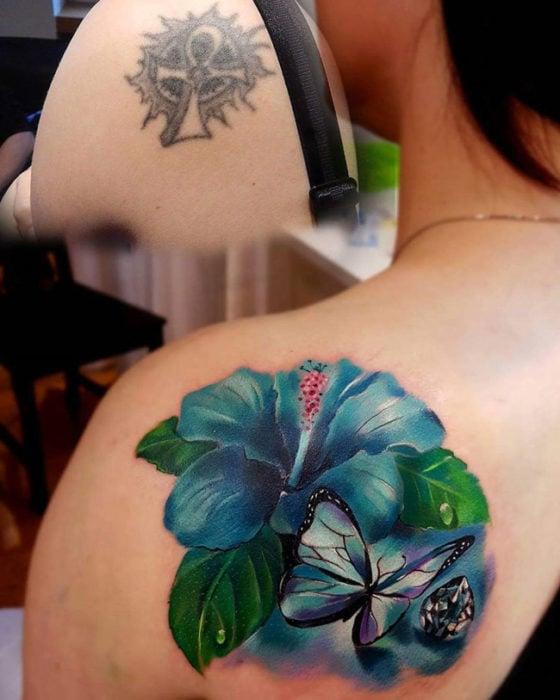 cover up tatuaje cruz egipcia