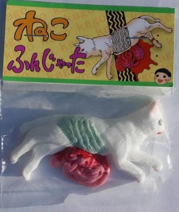 juguete de gato atropellado