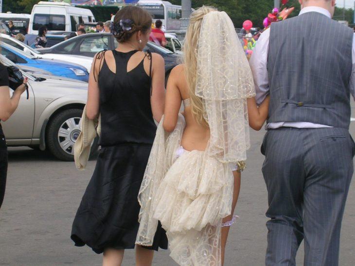 vestido de novia muy revelador