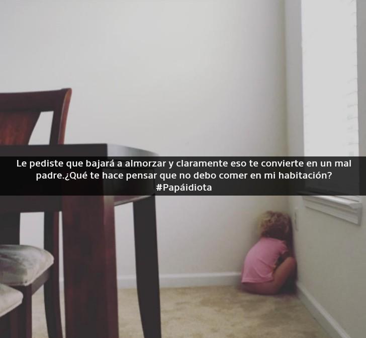 niña llorando en un rincón