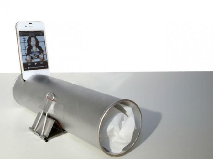 bocina para celular concilindro de papel de baño