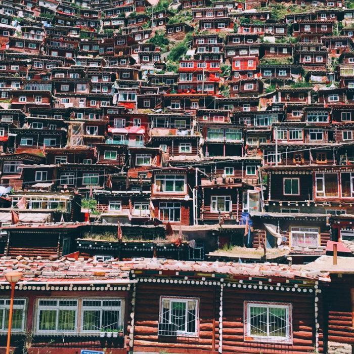 fotografía de muchas casas tomada con iphone