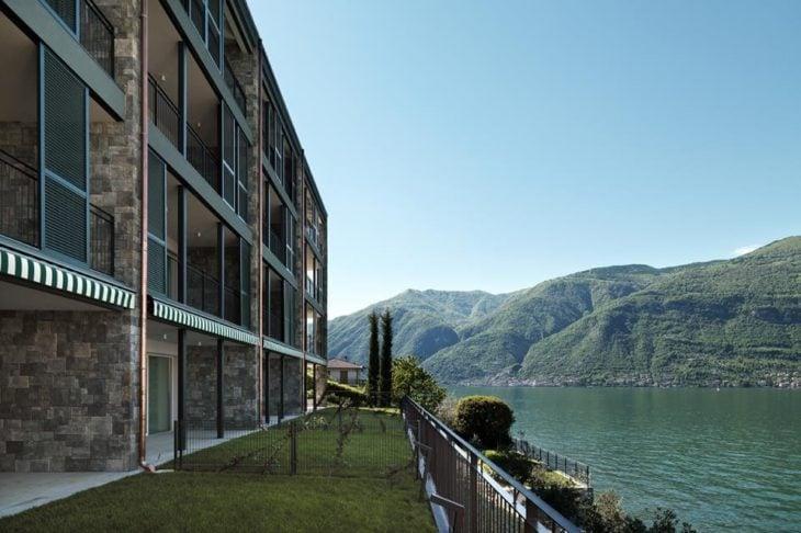 apartamento à beira do lago