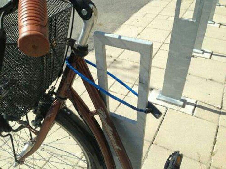 candado para bicicleta mal puesto