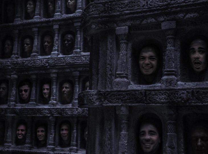 cabezas graciosas en catedral