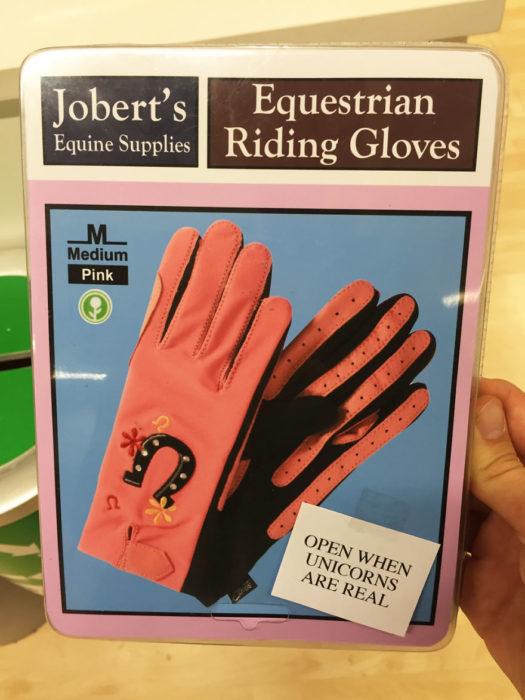 guantes rosas para montar unicornios