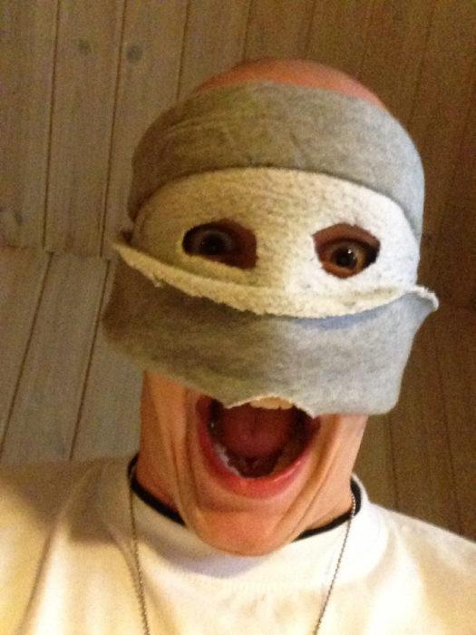 Hombre con cara de tapete