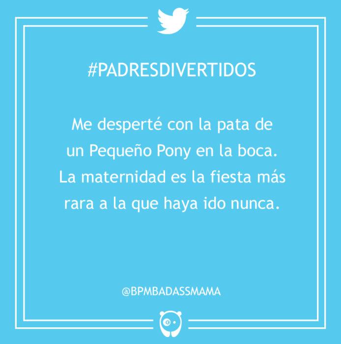 #PadresDivertidos pata de un pony en la boca