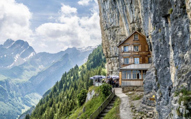 hotel en una montaña