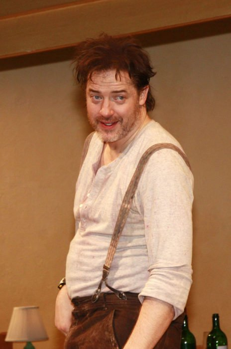 Brendan Fraser con barba canosa