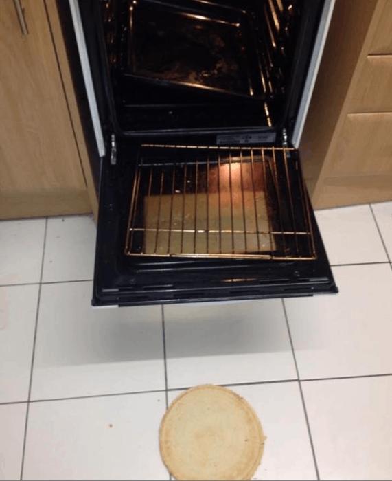 pizza que se cae de la estufa