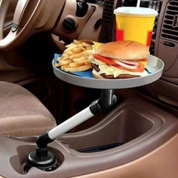 una charola para poner la comida en el carro