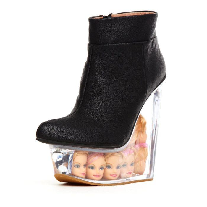 zapatos con cabezas de barbies
