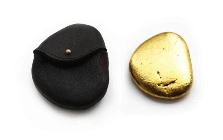 Piedra de oro para tirar al agua