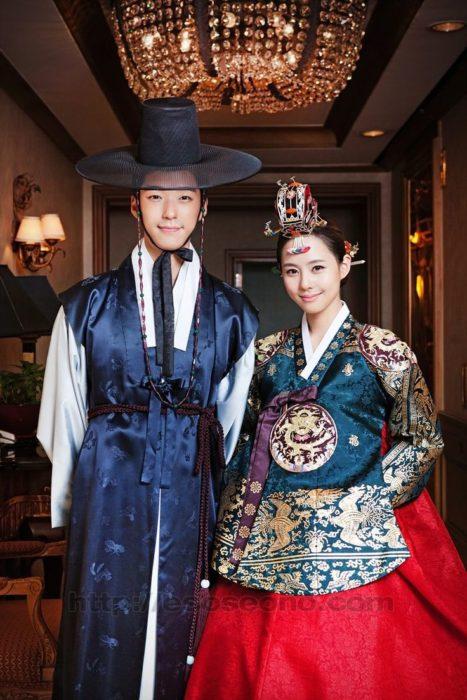 pareja de novios coreanos