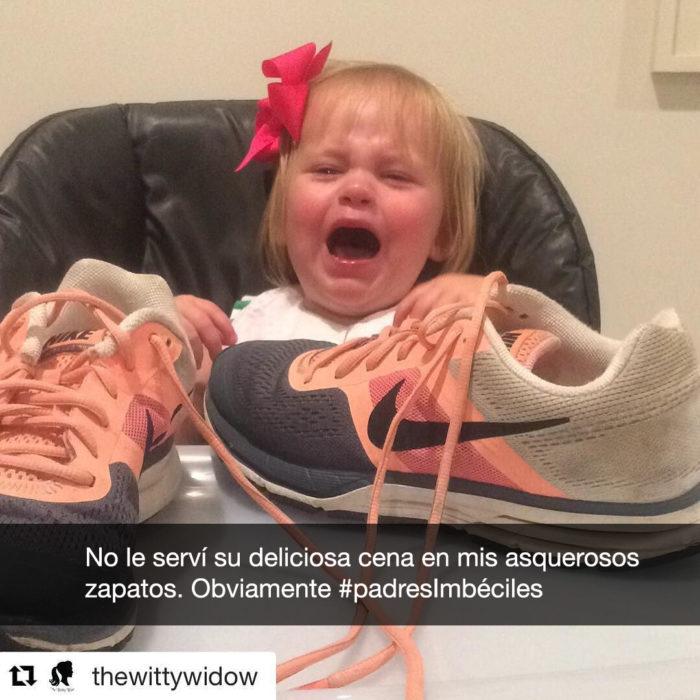 niña pequeña y tenis, la niña llora