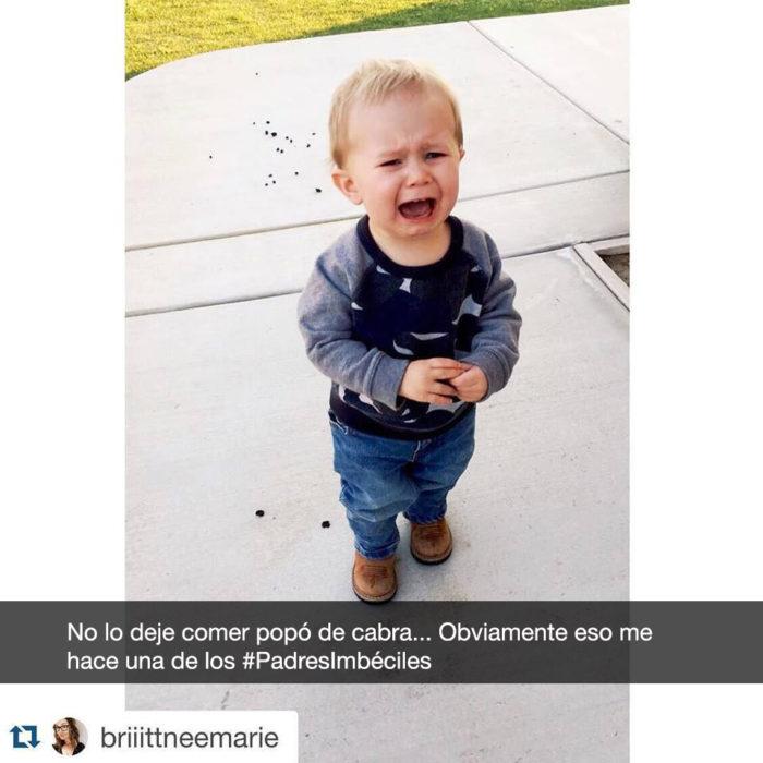niño llorando porque no lo dejaron comer popó de cabra
