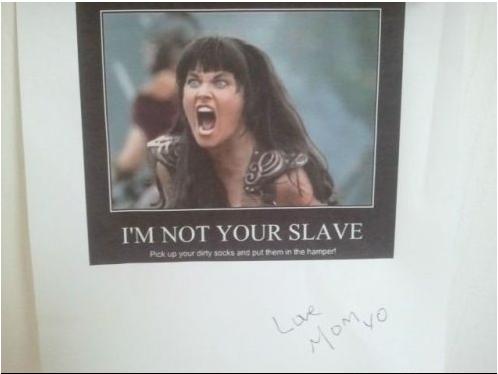 meme de mujer gritando enojada con el texto im not your slave