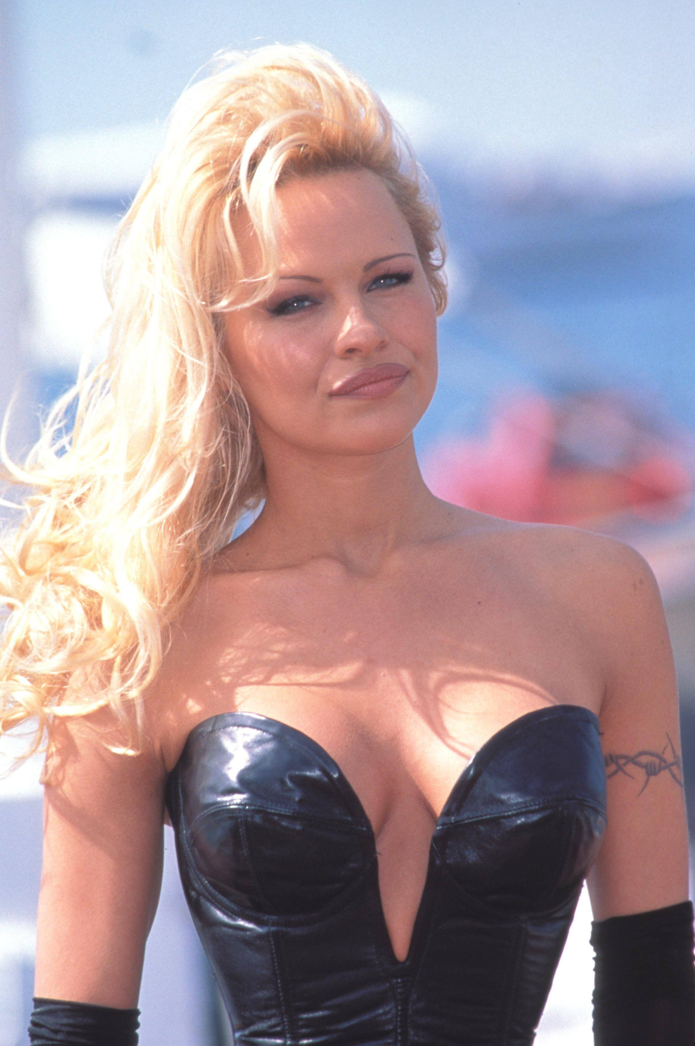 10 personalidades rica... Pamela Anderson