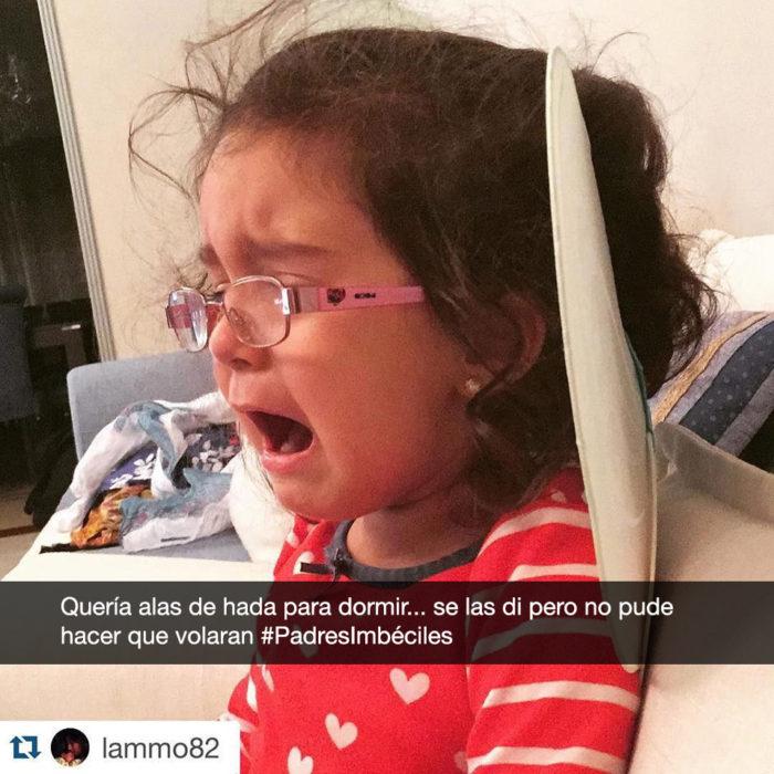 niña llora porque sus alas no vuelan