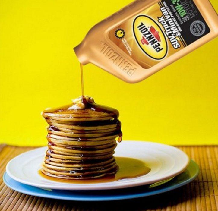 hotcakes y aceite de motor