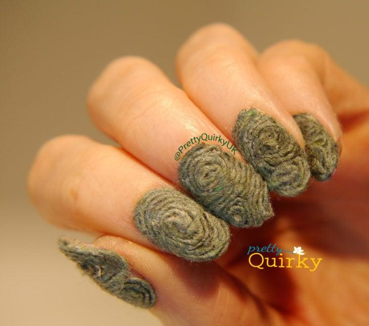uñas de lazo