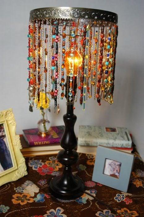 lámpara con joyería