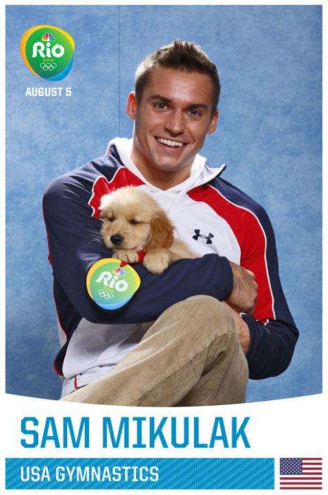 Sam Mikulak y cachorro