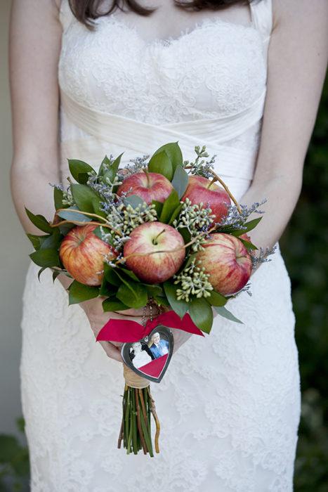 ramo de novia de manzanas