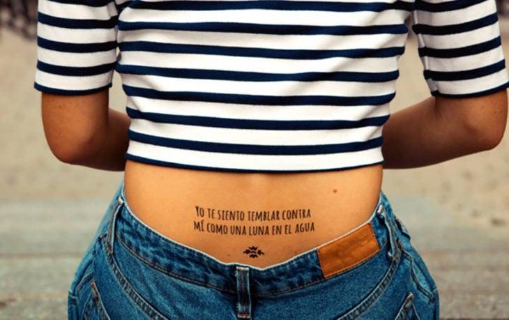 tatuaje en la espalda baja