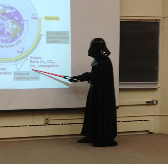 profesor vestido de star war