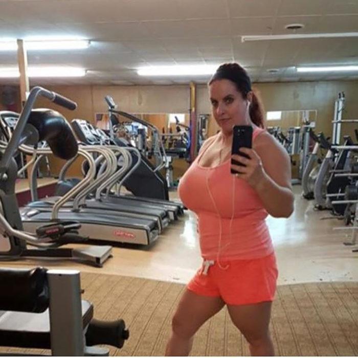 mujer en el gimnasio photoshoop