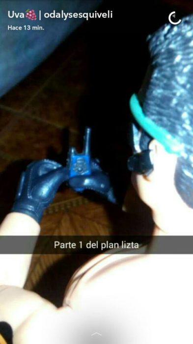 Muñeco ken con un walkie talkie: parte 1 del plan lista