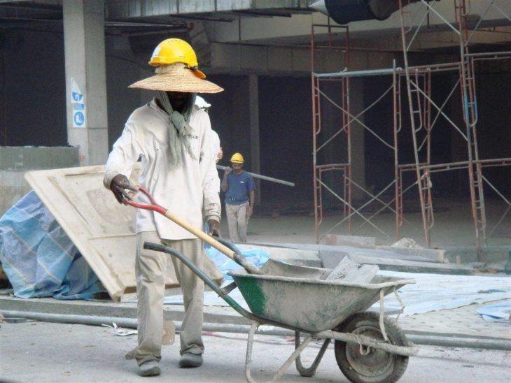 trabajador sin medidas de seguridad