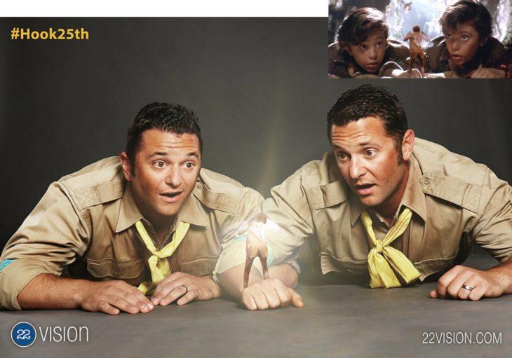 25 Aniversario Hook. Dos actores que personificaron a dos niños perdidos recrean escena en donde estan hablando con campanita