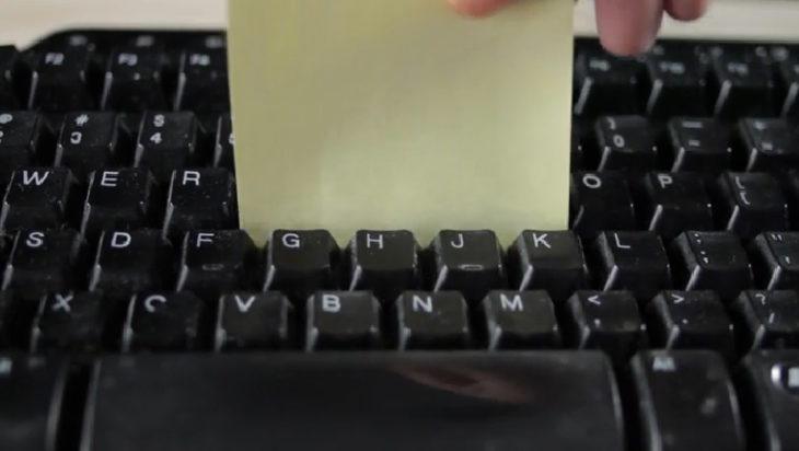 post it y teclado