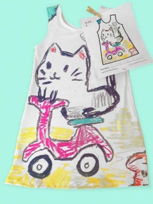 vestido dibujado por una niña