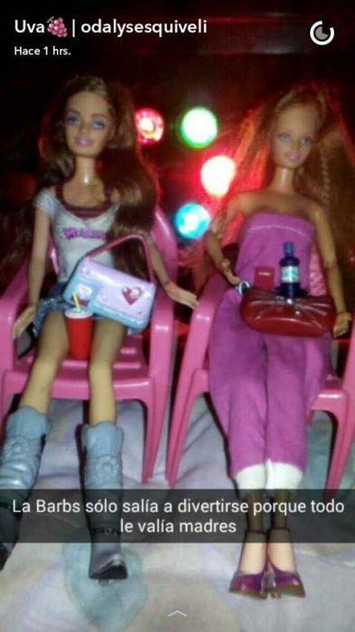 Barbie y su amiga en una fiesta