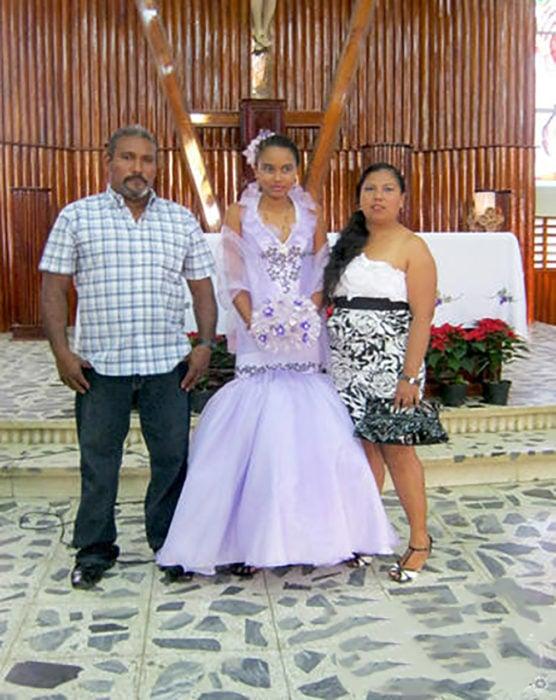 vestido feo de XV color lila