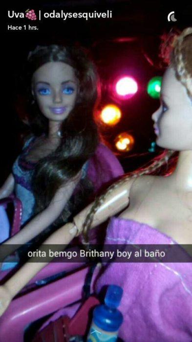 Barbie y su amiga