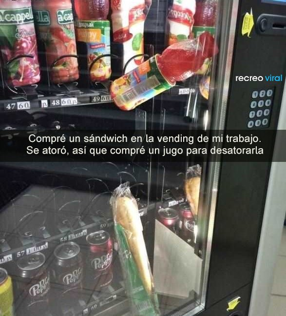 Vending machine con comida atorada