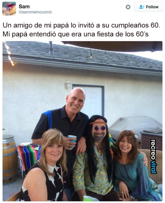 Papa se disfraza de los 60's para fiesta. No era de disfraces