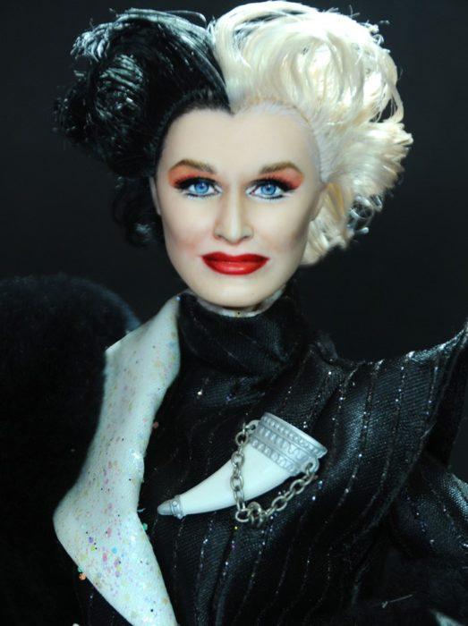 Muñecos realistas. Cruella de Vil muñeca pintada por Noel Cruz