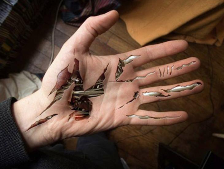 tatuaje en la mano realista