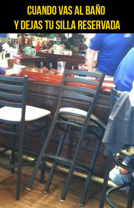 silla en un bar
