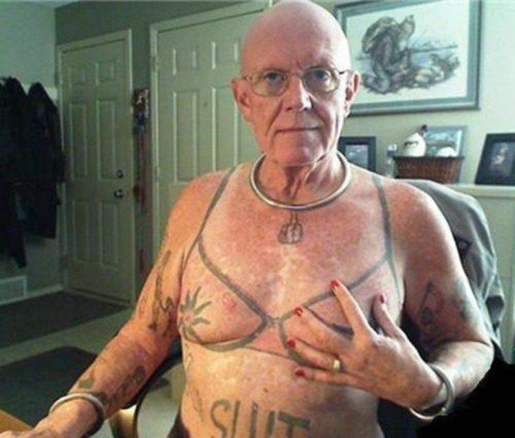 anciano con tatuaje de sostén
